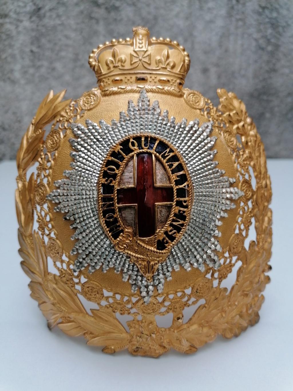 Série casques coloniaux de parades Britannique.. De l'orfèvrerie. Collec. perso Img_2474