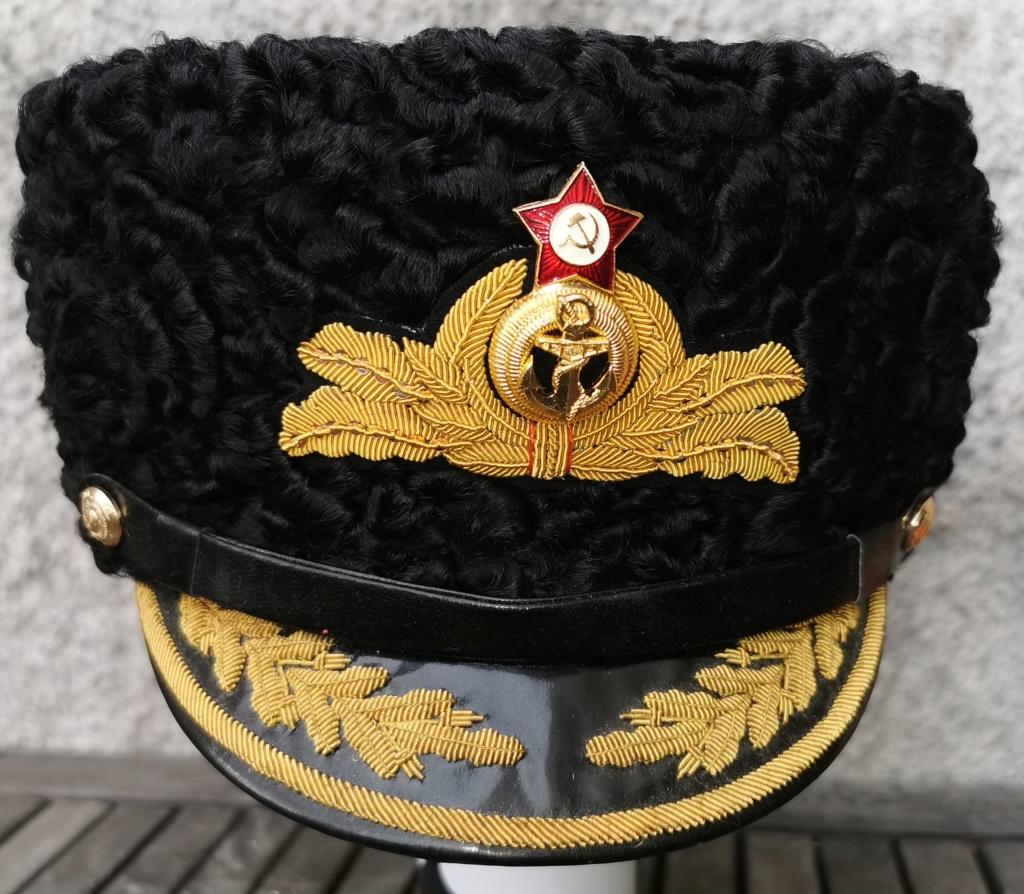 URSS (guerre froide):Coiffure la plus luxueuse de l'armée soviétique.  Img_2539