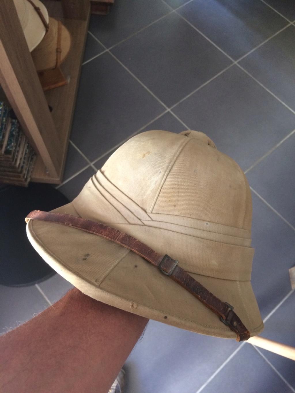 Pour qui aime les casques coloniaux. Petite histoire Img_2712