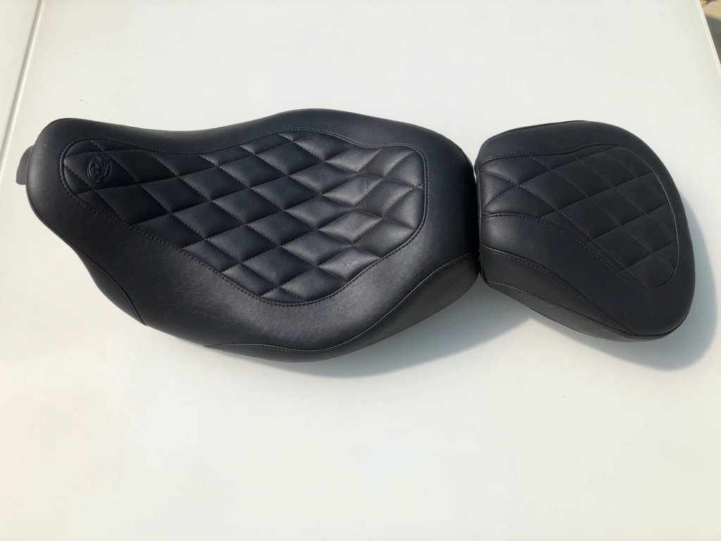Selle solo mustang wide tripper + pouf passager [VENDUS] Img_1710