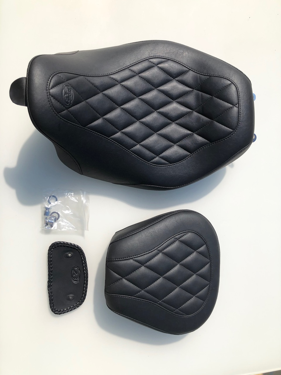 Selle solo mustang wide tripper + pouf passager [VENDUS] Img_1711