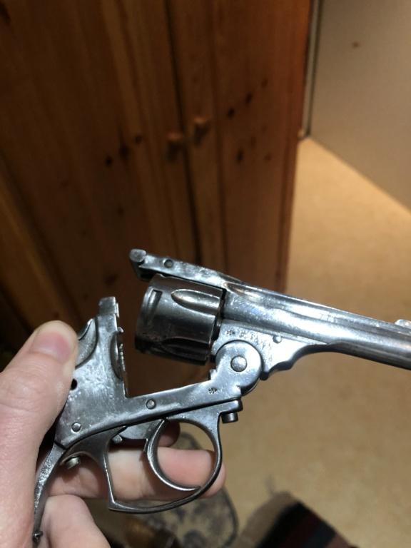 Revolver en calibre 320  7f2e4910