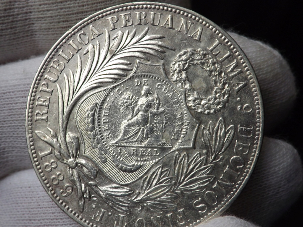 1 Peso sellado de Guatemala 1.894 sobre 1 Sol peruano de 1.889. Dscf3439