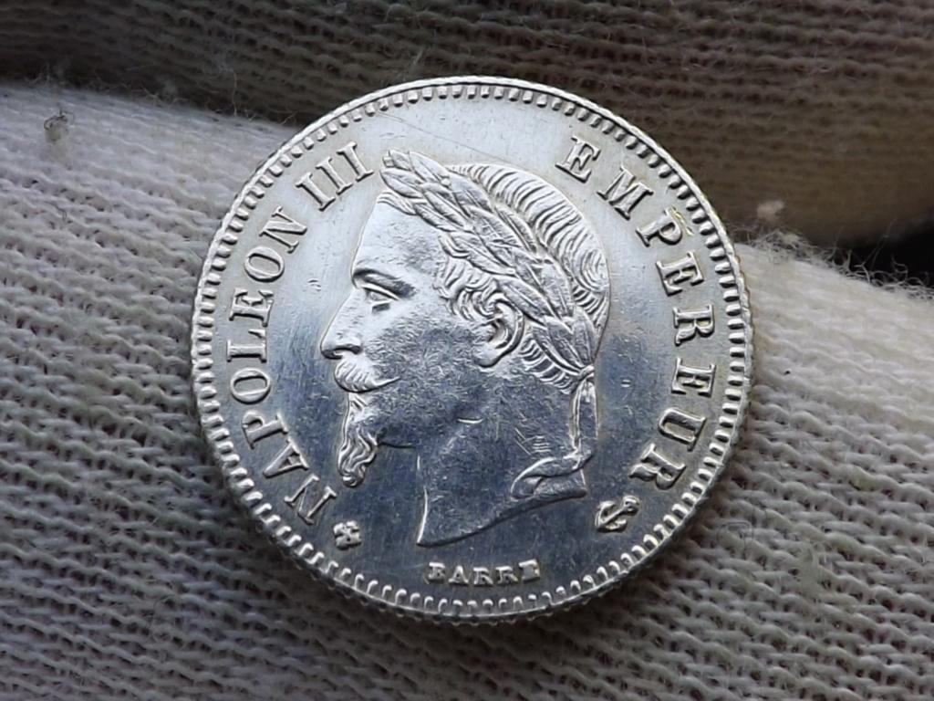 ¡¡¡Pe(z)queñinas sí, gracias!!! Francia 20 Céntimos de Franco de 1.866 BB. Dscf5422