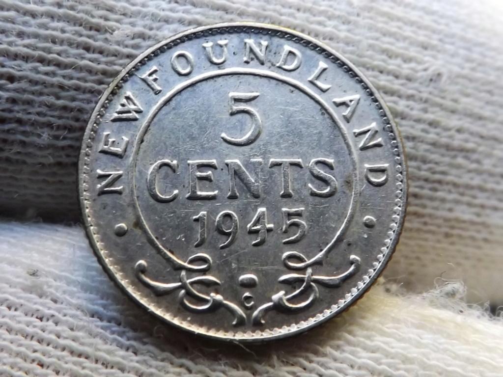 ¡¡¡Pe(z)queñinas sí, gracias!!! Terranova 5 Centavos de 1.945. Dscf5429