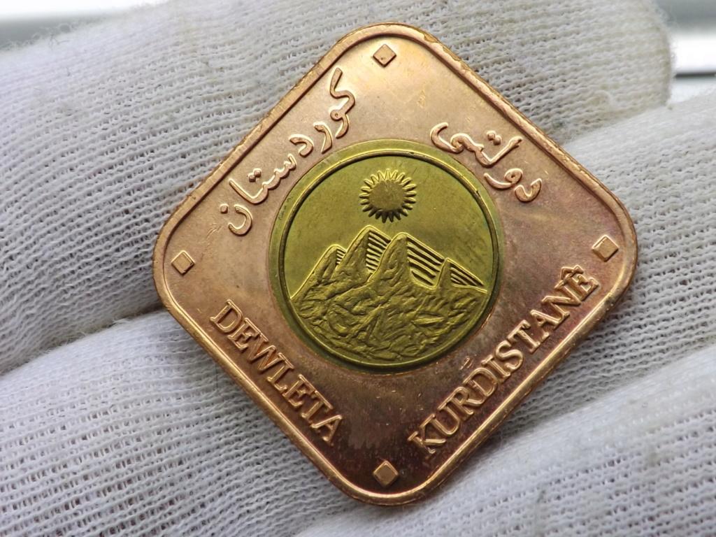 ¡¡ No soy redonda !! (2.500 Dinares del Kurdistán 2.006 moneda-fantasía)  Dscf5517