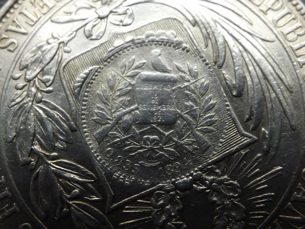1 Peso de 1.894, Guatemala (sellado sobre 5 Pesetas de Perú 1.880). Dscf6716
