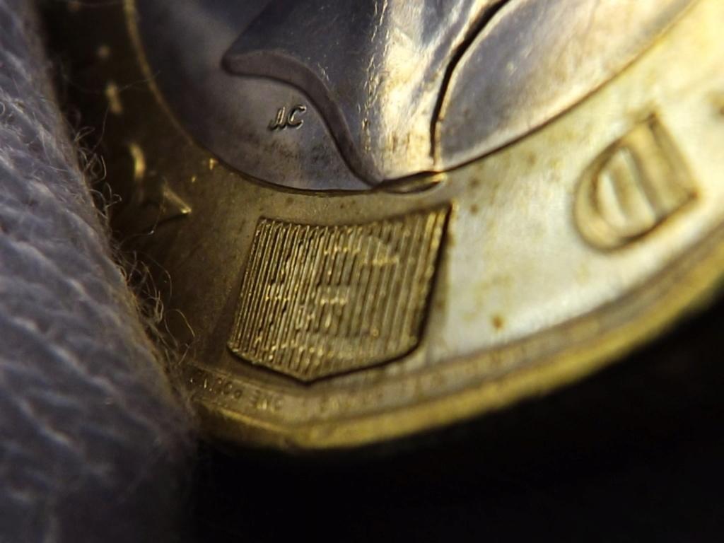 1 Libra de 2.017 de Gran Bretaña. En guerra contra la falsificación. Dscf7230