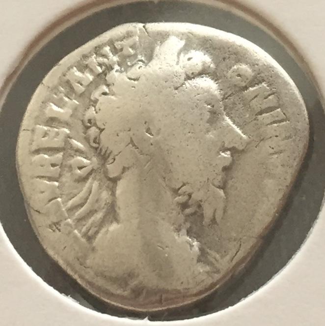 Denario de Marco Aurelio. TR P XXXIIII IMP X COS III P P. Fortuna sentada a izq. Roma Img_e912