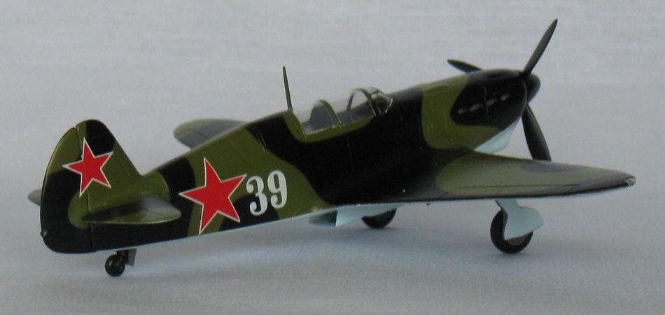 Як-7Б Eastern Express 1/72 Img_0936