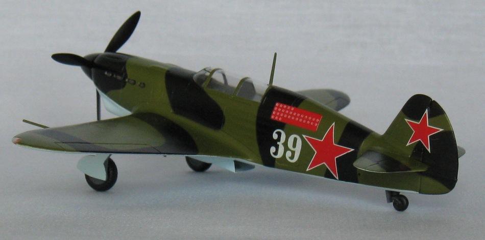 Як-7Б Eastern Express 1/72 Img_0938