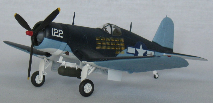 Chance Vought F4U-1А  Academy 1/72 Img_0958