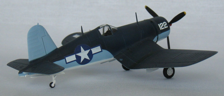 Chance Vought F4U-1А  Academy 1/72 Img_0961