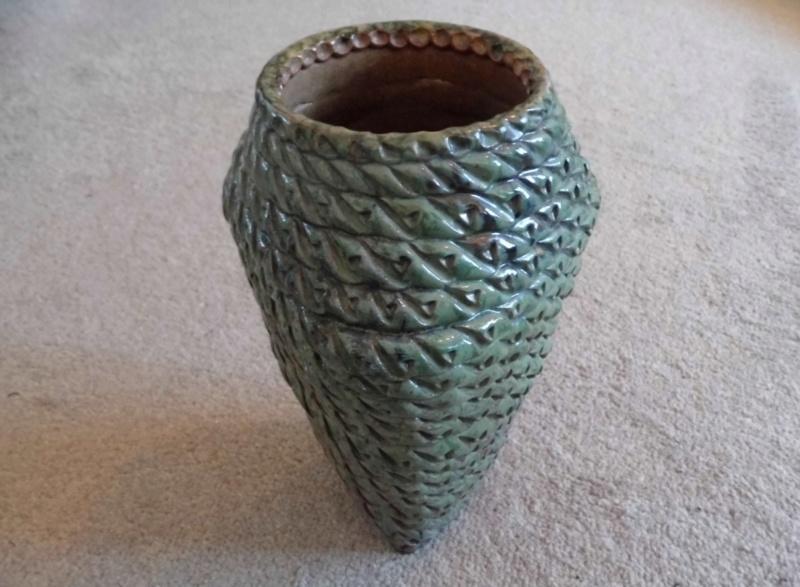 Studio pottery coil vase ID help needed, thanks P1020613