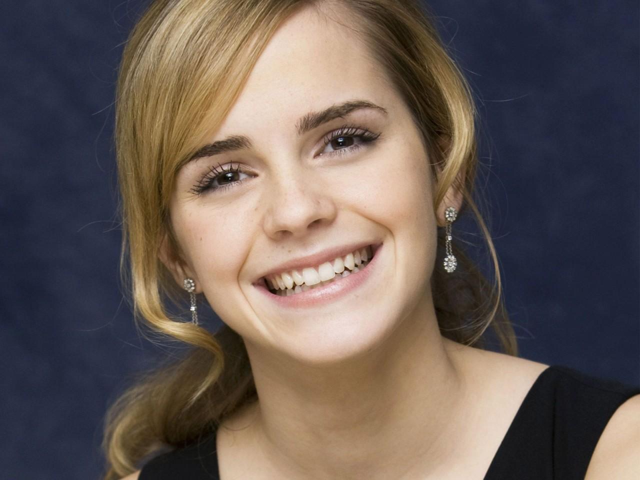 Emma Watson - Page 2 Emma_w46