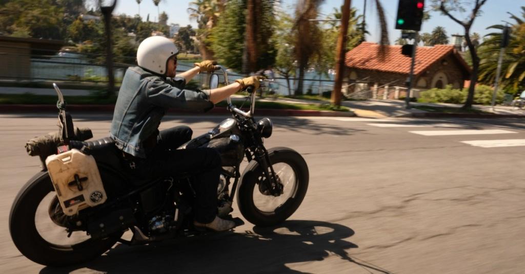 Biker et fier de l'être - Page 13 Sam-be10