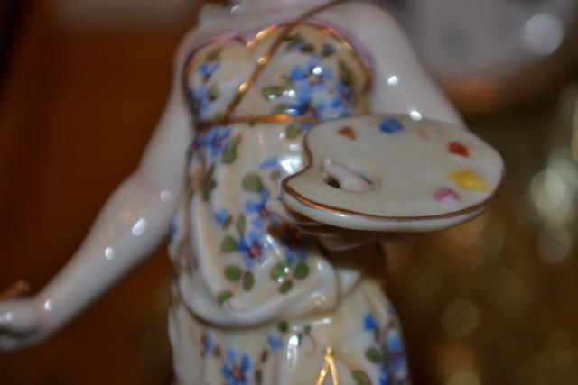 Paire de statuettes figurant les Muses Thalie Masque ? E/A Muller Allemagne? Vers 1900 ?  Dsc_2624