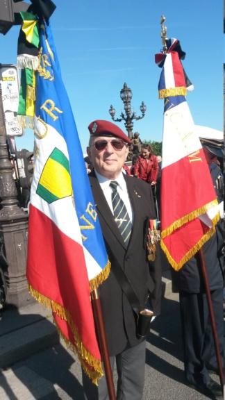 Hommages à nos camarades sur le pont Alexandre III 20190512