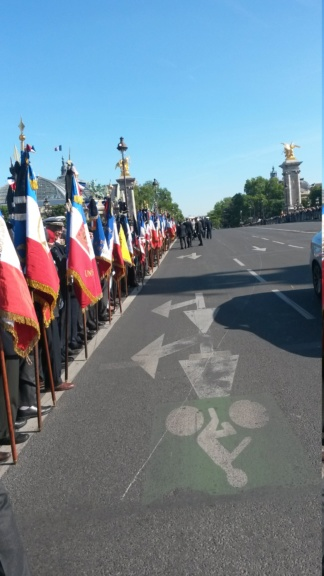 Hommages à nos camarades sur le pont Alexandre III 20190513