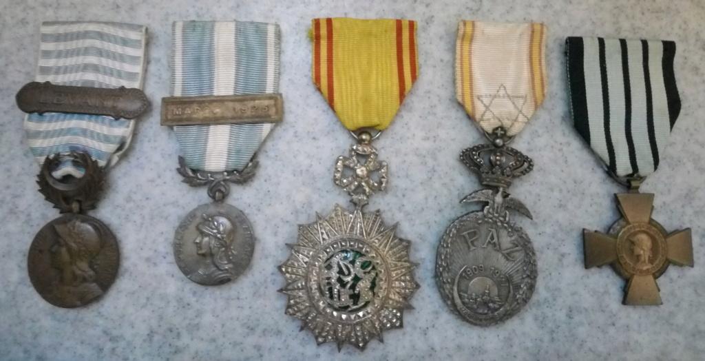 Un beau lot de médailles Img_2227