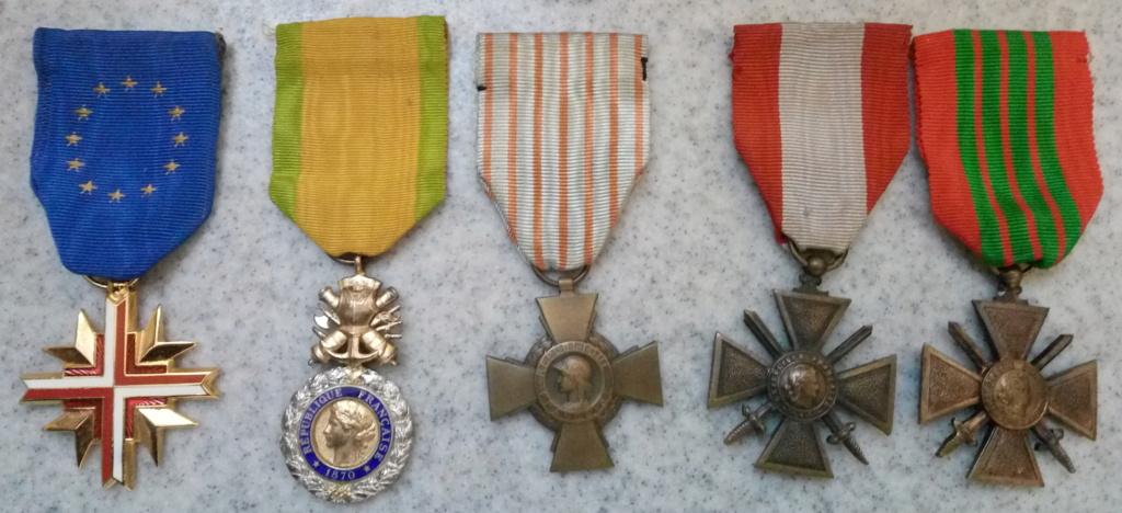 Un beau lot de médailles Img_2228