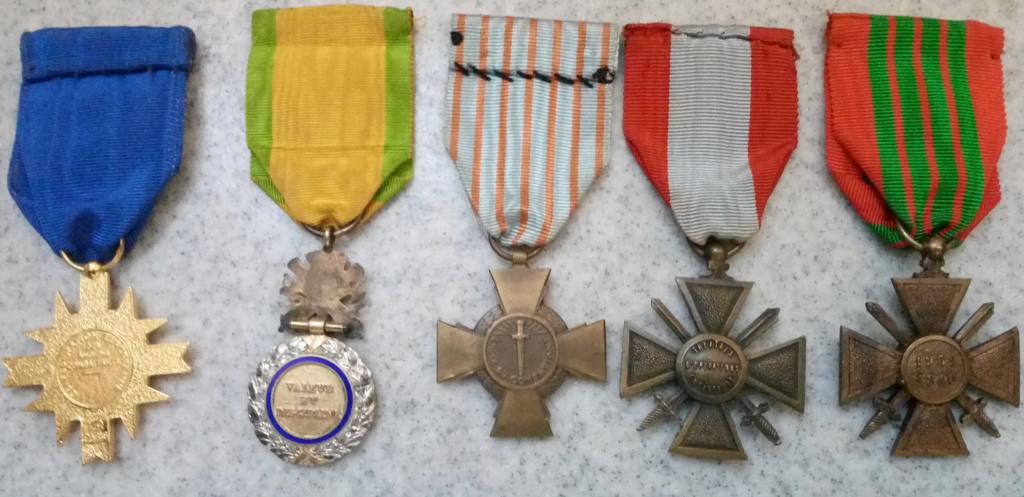 Un beau lot de médailles Img_2231