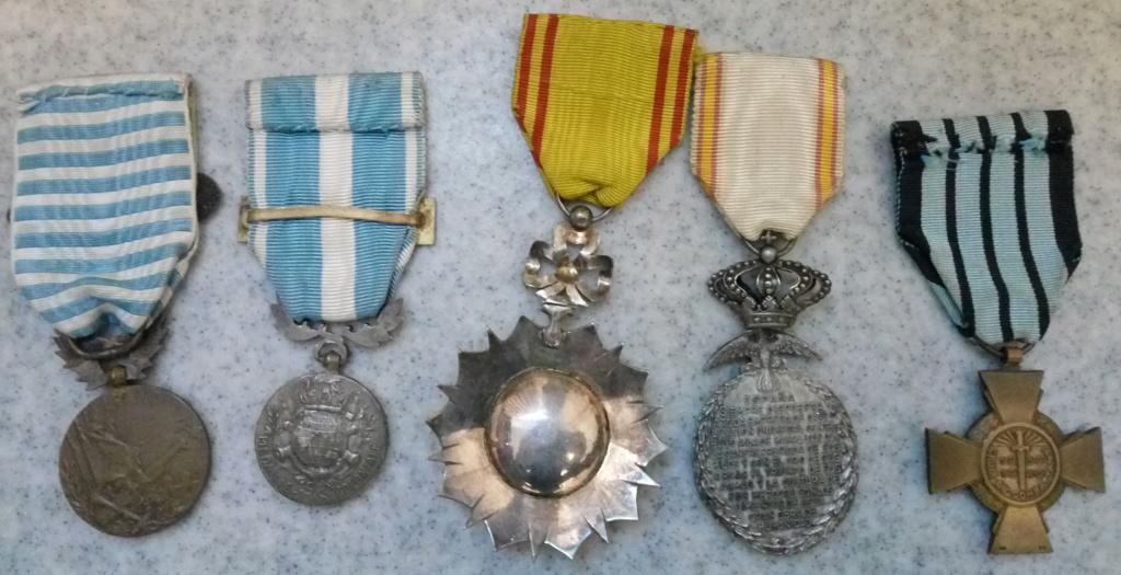 Un beau lot de médailles Img_2232