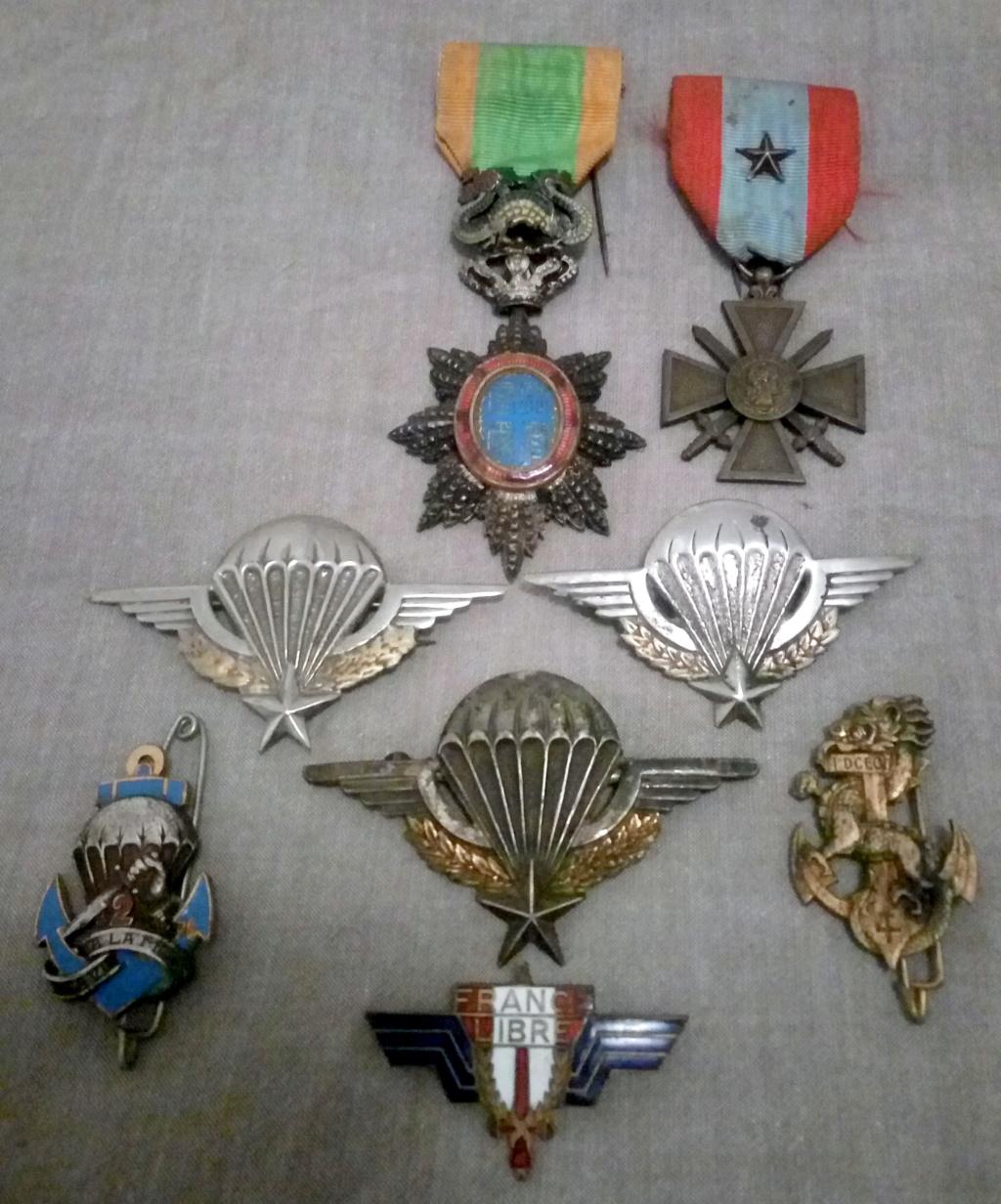 Un petit lot médailles et insignes INDO... Img_2287
