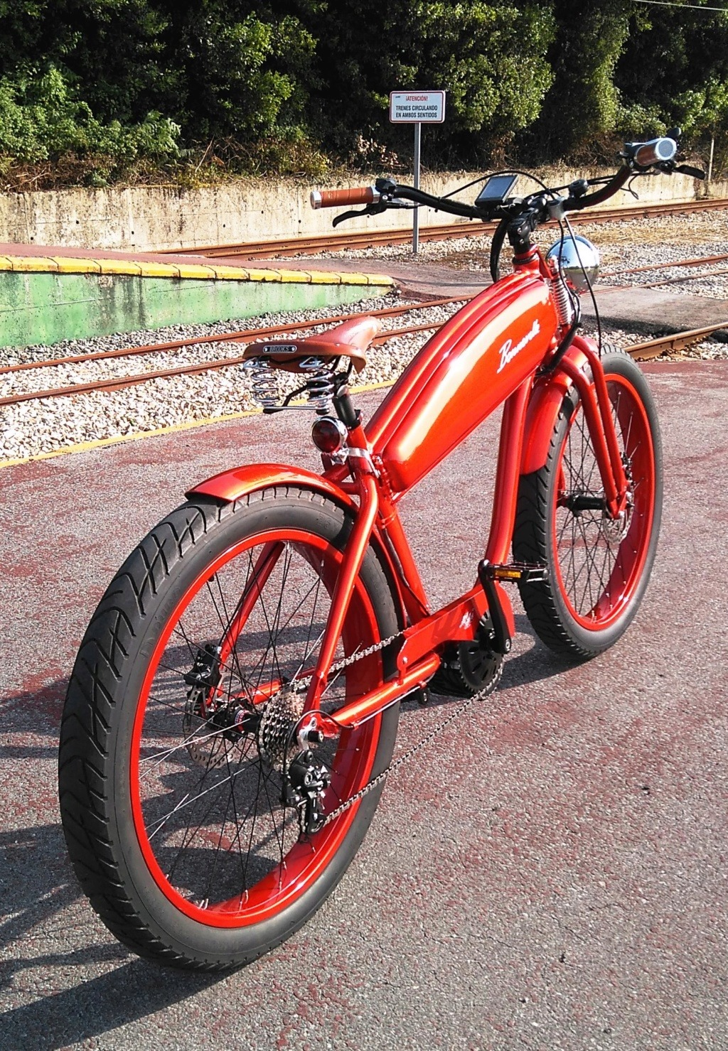Vendo bicicleta eléctrica Cruiser Bicicl27