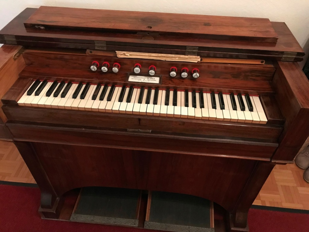 Conseils pour l'achat d'un harmonium Alexan11