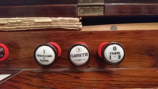 Conseils pour l'achat d'un harmonium Alexan13
