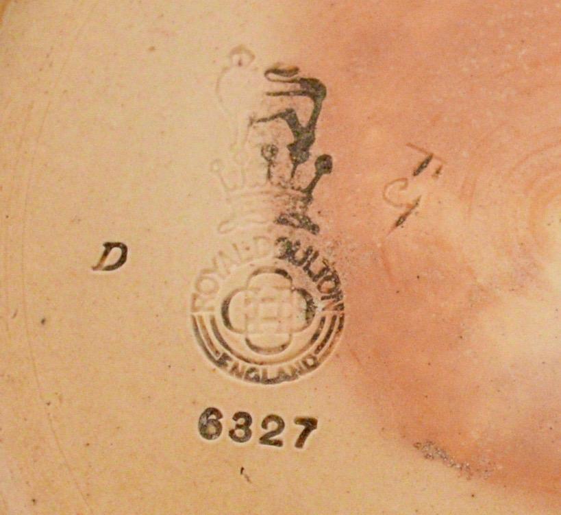Royal Doulton vase, by Florrie Jones Dsc_0110
