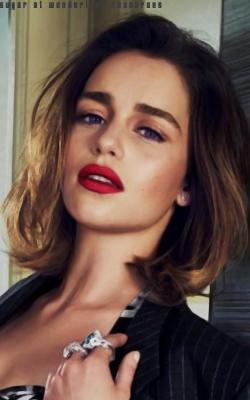 Emilia Clarke Sem_tz13