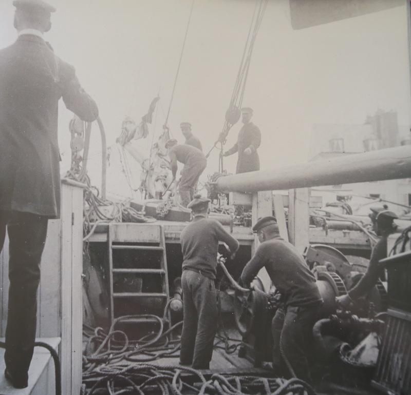 Pourquoi Pas? 1908 (1/75° Billing Boats) - Page 21 507_gu10