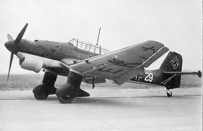 Junker Ju 87-A Stuka 1/24 - Page 15 Stuka11