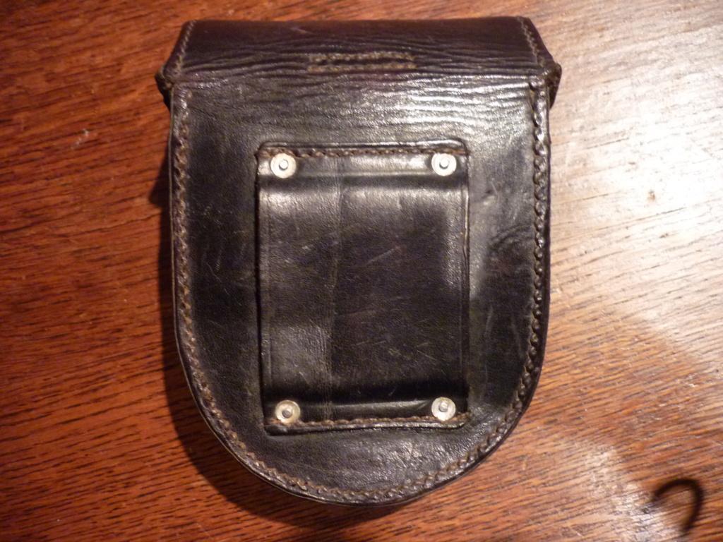 étui cuir allemand P1080118