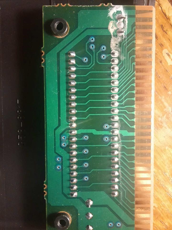 Coulures sur circuit imprimé MD 49826010