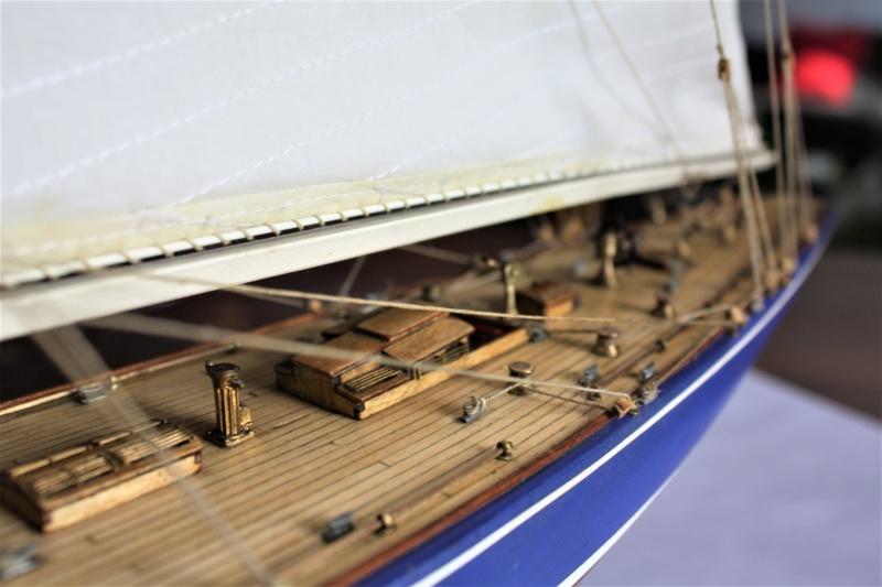 Endeavour 1934 AMATI 1/80 Img_3914