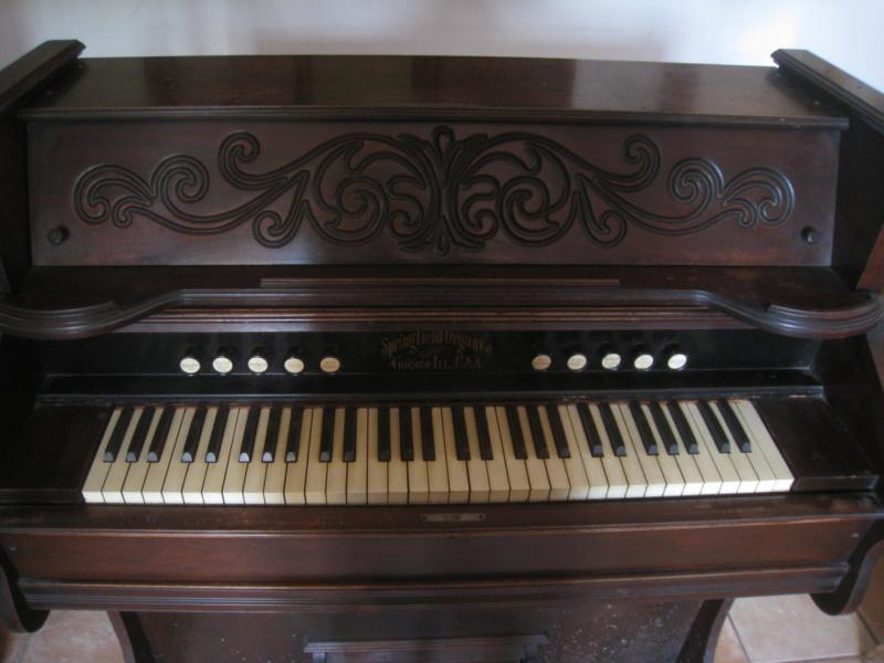 harmonium américain Springfield Organ Company à donner Img_7913