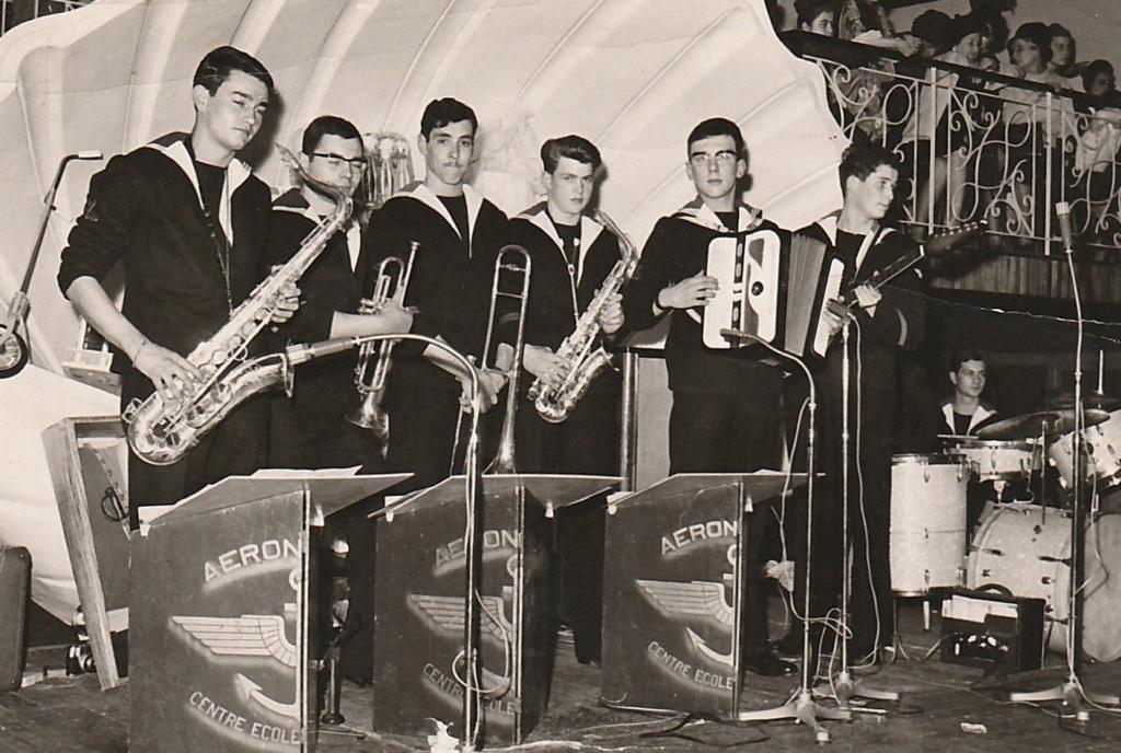 [La musique dans la Marine] Les fanfares des écoles... - Page 3 65_cas12