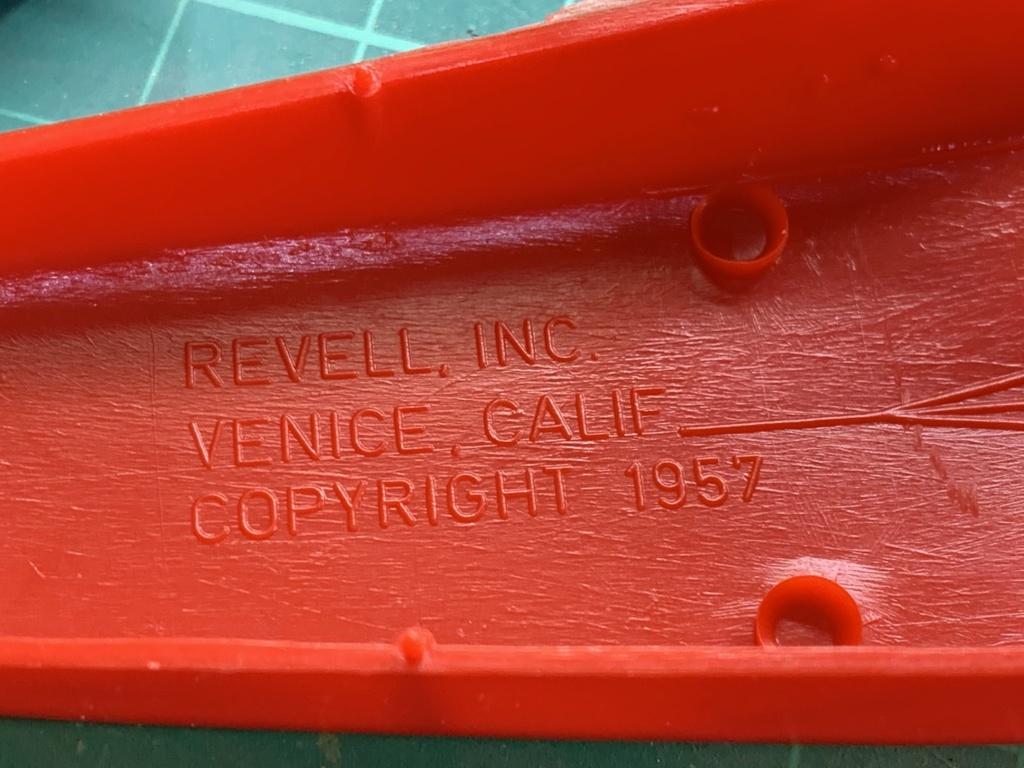 Revell Fokker DR.I Manfred Von Richtofen 1/28 Img_5054
