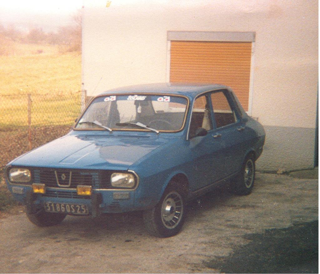 Photos de quelques anciennes............voitures! - Page 3 110