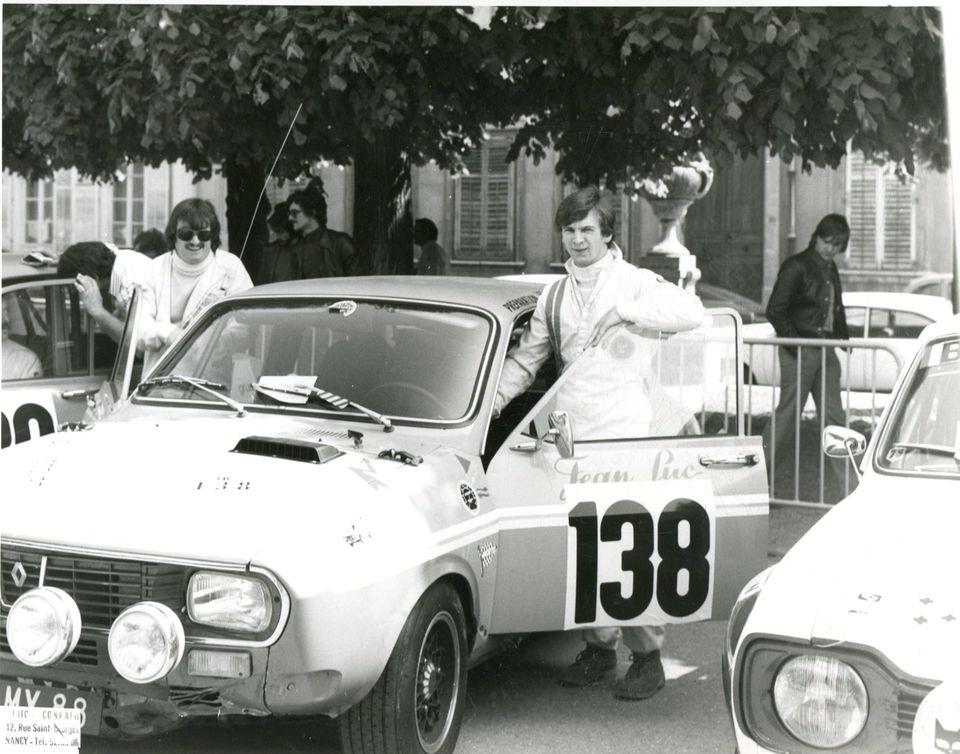 Photos de R15 & R 17 en arrière plan - Page 24 19659510