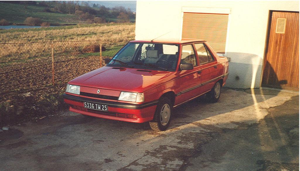 Photos de quelques anciennes............voitures! - Page 3 310