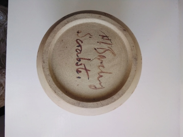 Pot signed M. Barclay, Scrabster, Caithness, Scotland   20200917