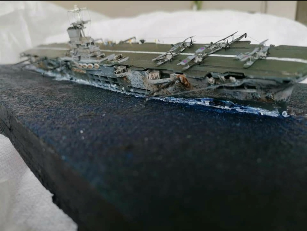 HMS Ark Royal, le naufrage Screen77