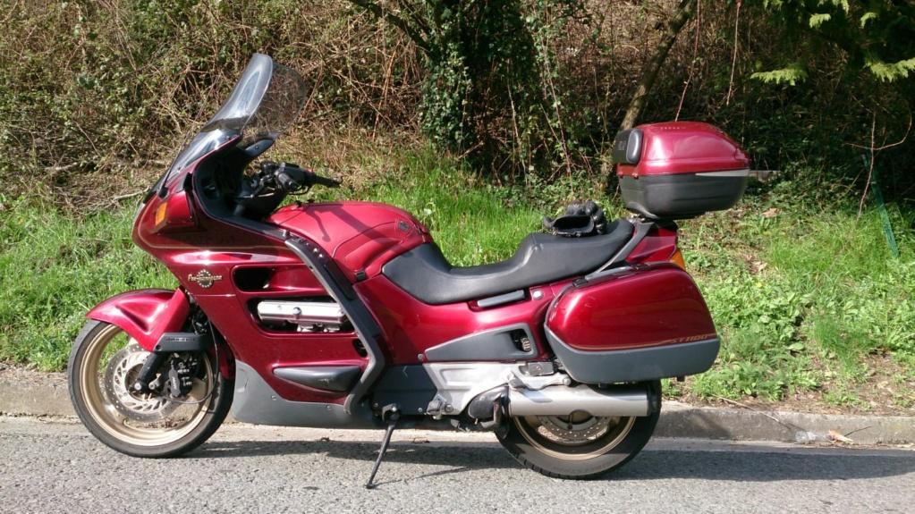 EN VENTA  ST 1100  Auwc8610