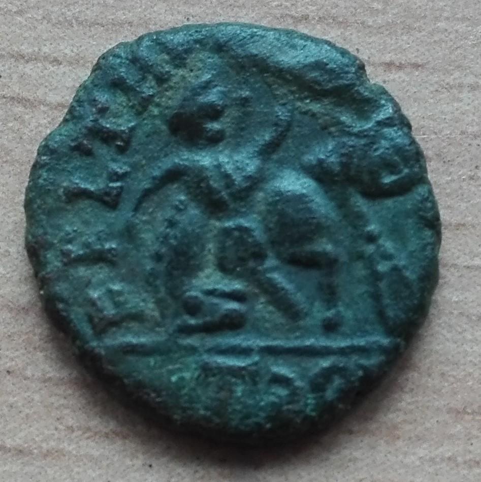 AE4 Imitativa de Juliano II o Constancio Galo. FEL TEMP REPARATIO. Imita ceca de Arlés Img_2011