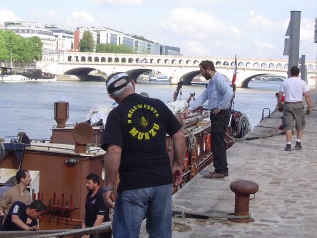 [Marine à voile] LA BOUDEUSE A PARIS Dsc02017