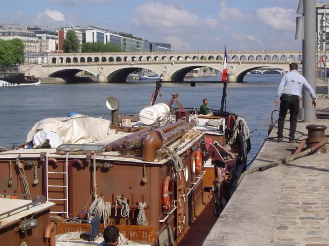 [Marine à voile] LA BOUDEUSE A PARIS Dsc02018